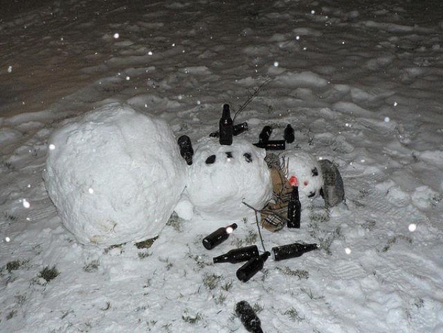 drunk_snowmen_640_01