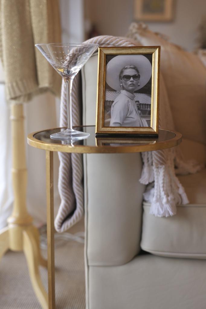 martini and frame