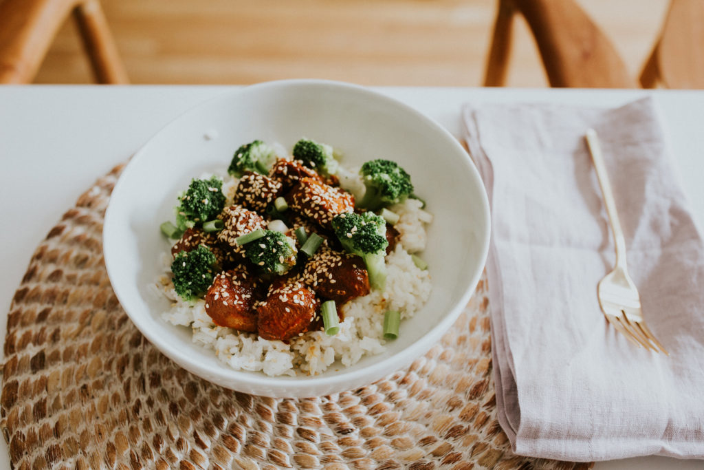 Honey Siracha Rice Bowls